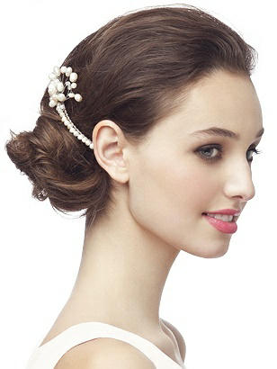 Vintage Inspired Wedding Accessories Pearl Spray Hair Comb $24.00 AT vintagedancer.com